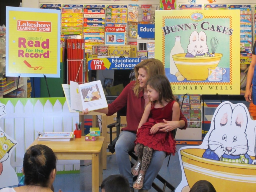 Actress Christie Lynn Smith and her daughter Abby read for the record at the Lakeshore Learning Store in West L.A.