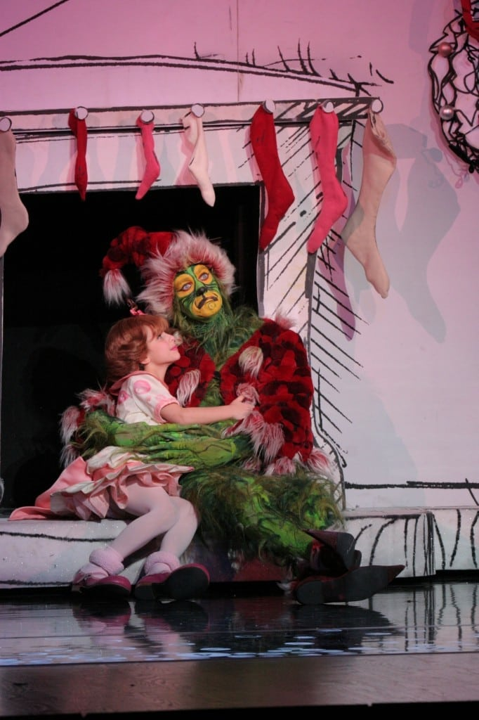 Brooke Lynn Boyd and Stefan Karl are part of the cast of How The Grinch Stole Christmas! The Musical at Segerstrom Center. PHOTO BY PAPARAZZIBYAPPOINTMENT.COM