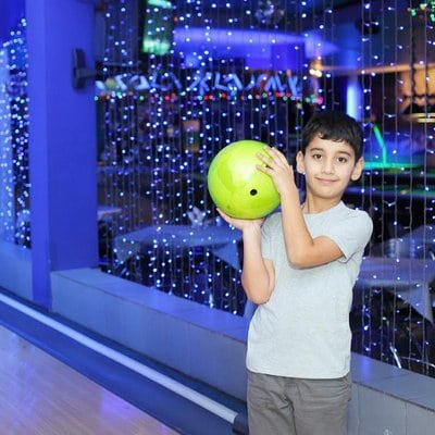 summer activities kids bowl free