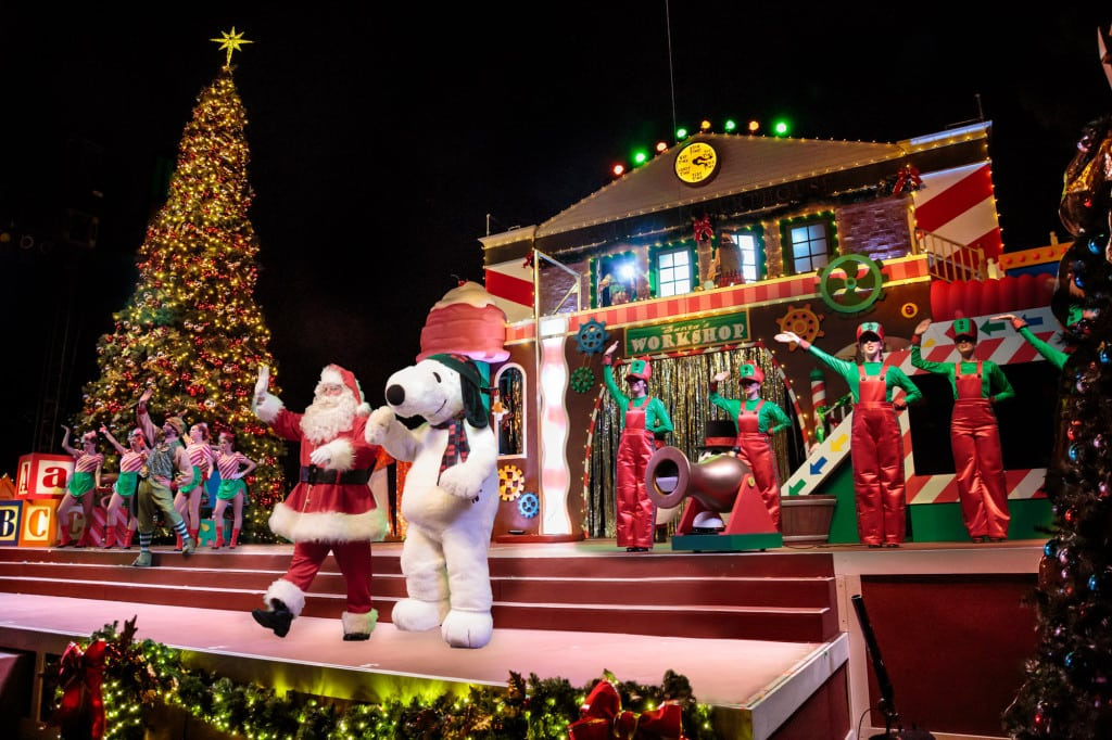 Snoopy's Merriest Tree Lighting Santa and Snoopy Wide - Los Angeles attraction