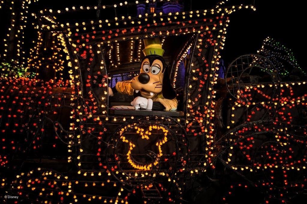 Goofy helps to light up Main Street. PHOTO COURTESY DISNEYLAND RESORTS