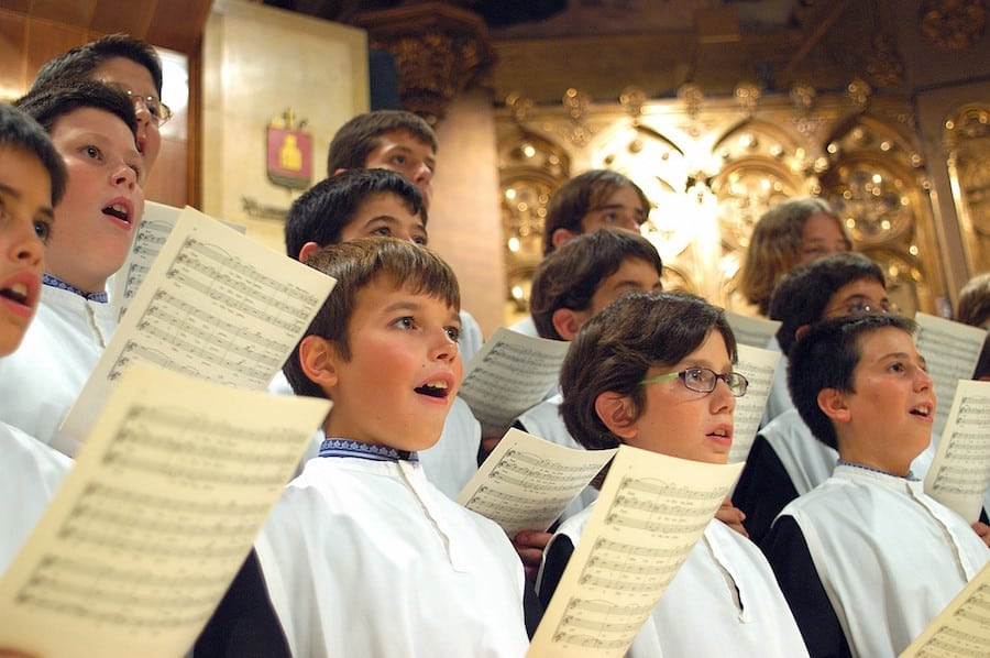 800-Year-Old Spanish Boychoir Escolania de Montserrat In Concert