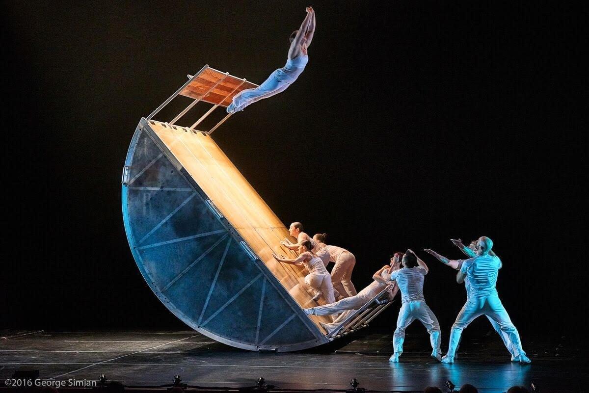 DIAVOLO Dance Performance