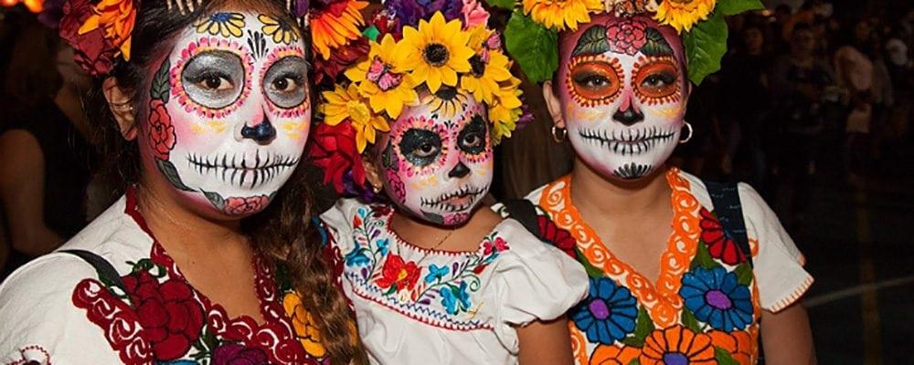 Olvera Street's Day of the Dead Festivities