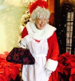 The Eagle Rock Plaza Welcomes Mrs. Claus
