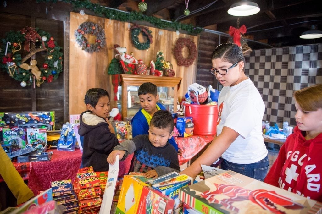 holiday giving los angeles