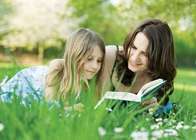 """Huntington Family Drop-In Program: """"Mom's the Word"""" Story Time"""