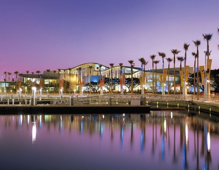 Aquarium of the Pacific's Discounted Late Nights