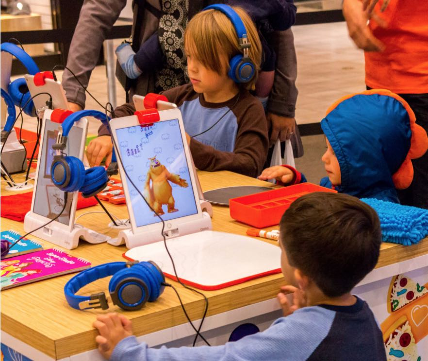 Osmo Pop-Up at Westfield Valencia Town Center