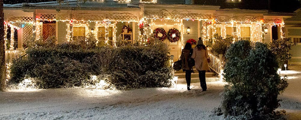 "Warner Bros. Studio Tour's ""Gilmore Girls Holiday"""