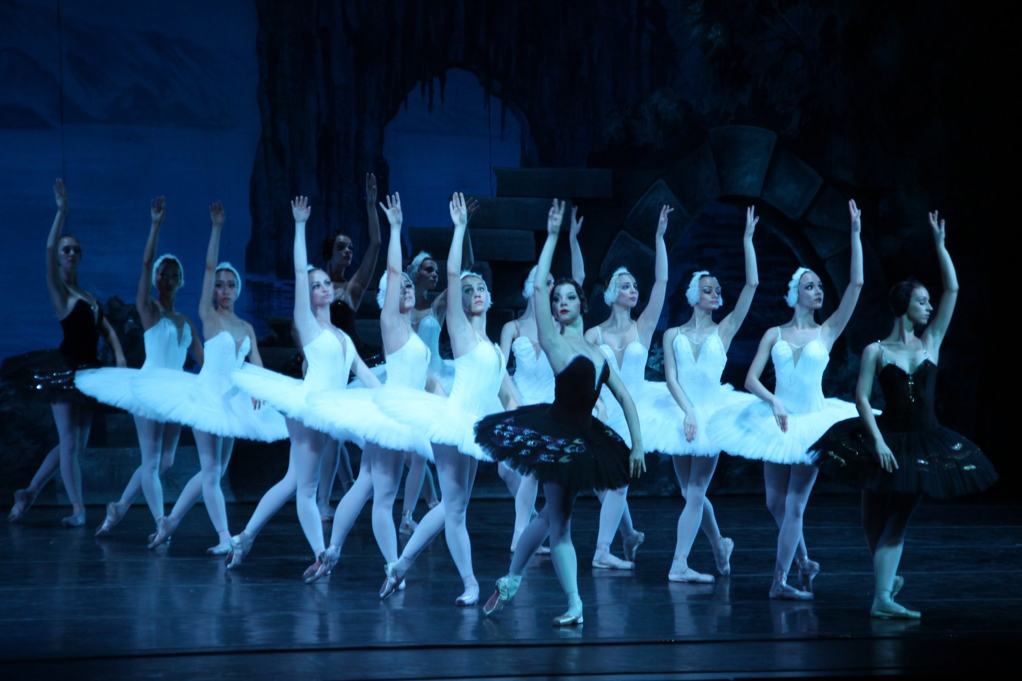 """Russian National Ballet Theatre performs """"Swan Lake"""""""
