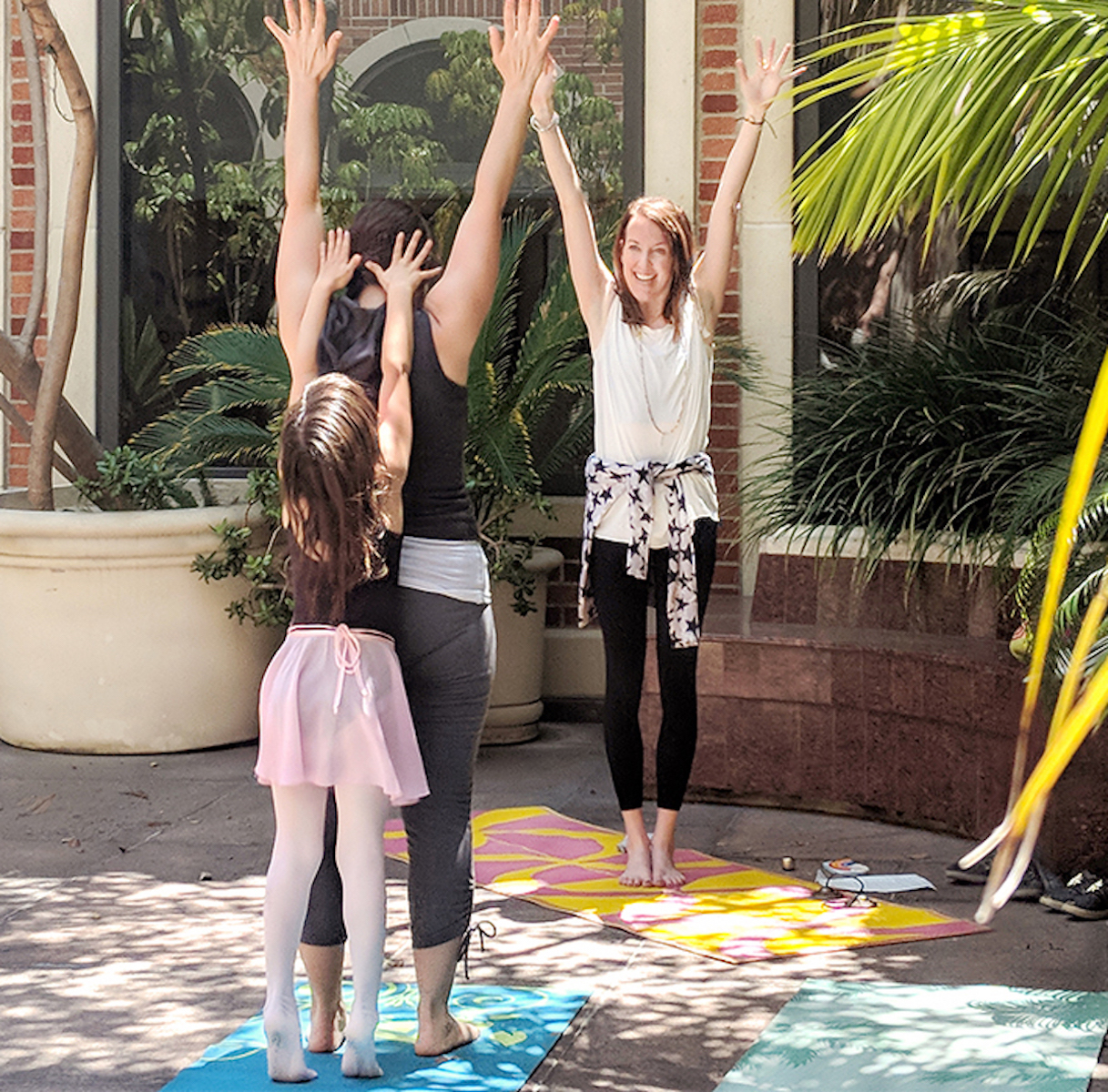 Fowler Families: Yoga for Little Travelers