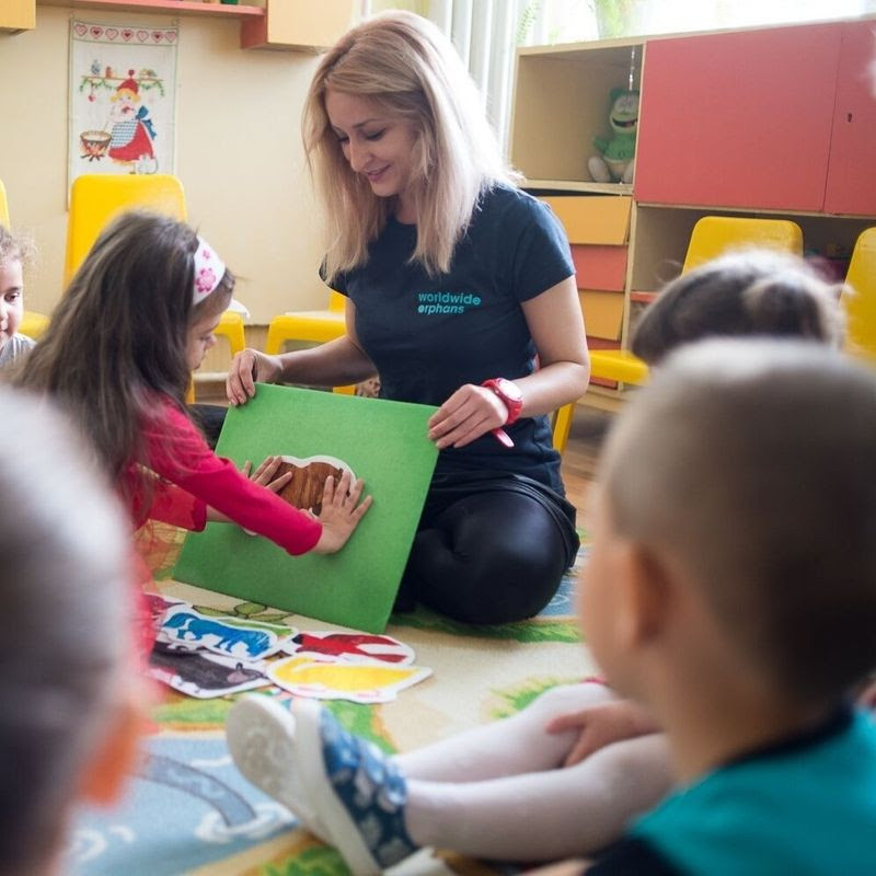 Art Babes Story Hour with Element of Play