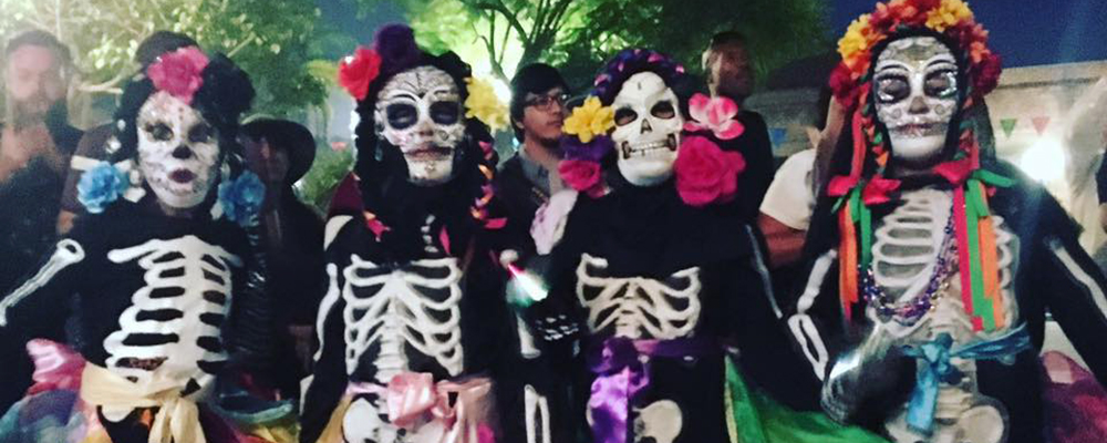 Olvera Street's Day of the Dead Festivities