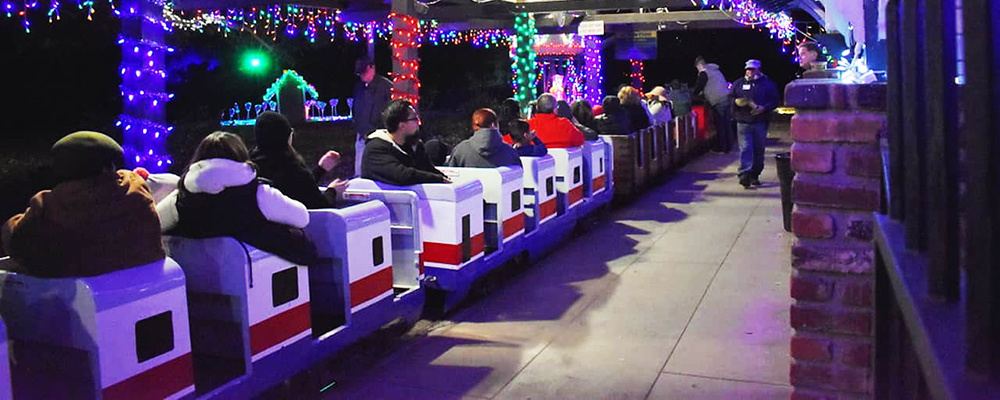 Holiday Train Rides In Griffith Park