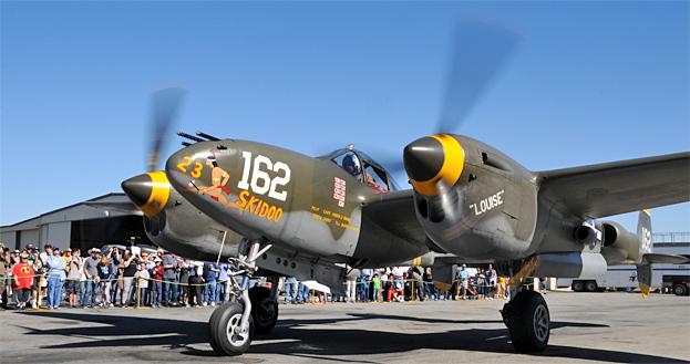 Living History Flying Day: Lockheed P-38 Lightning