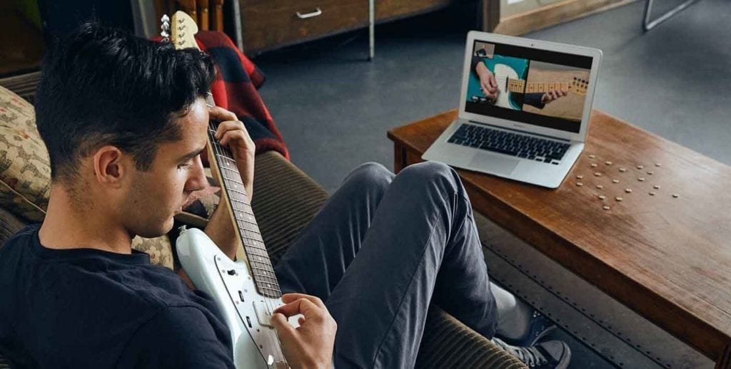 Musical activities Fender guitar