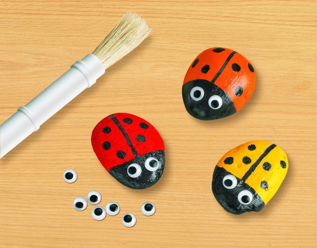 Kid Crafts Ladybug rocks
